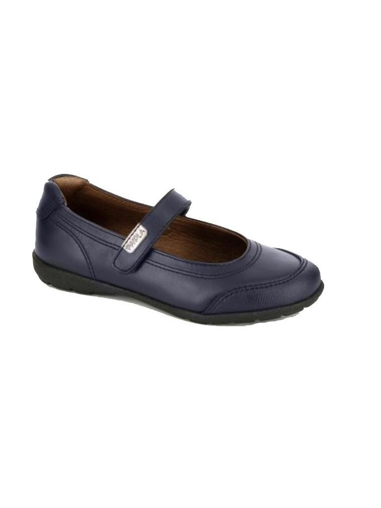 zapato estilo salón con puntera de paola