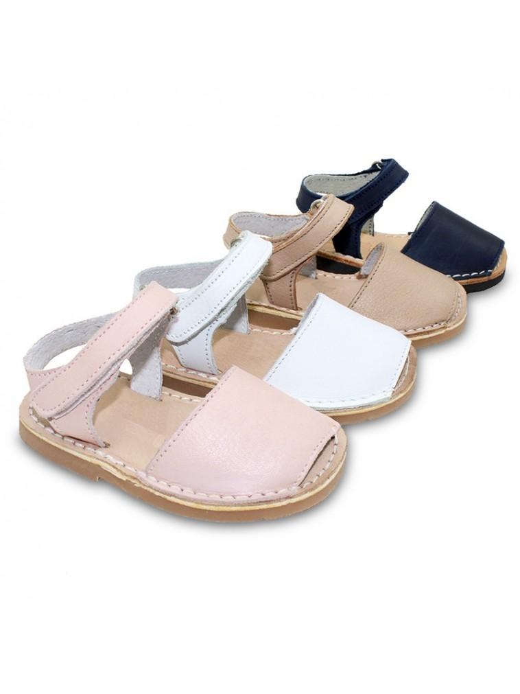 menorquina avarca con cierre adherente en piel muy suave piso acolchado color blanco, rosa, marino, beige